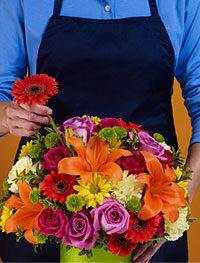 Букет-сюрприз из сезонных цветов #924